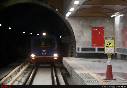 حادثه در متروی بیمه/ خودکشی مرد جوان