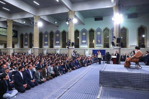 رهبرانقلاب: ملت متحد باشد توطئههایدشمن به ضرر خود او تمام خواهدشد