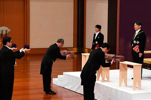 فیلم   امپراتور جدید ژاپن اینطور به تخت نشست