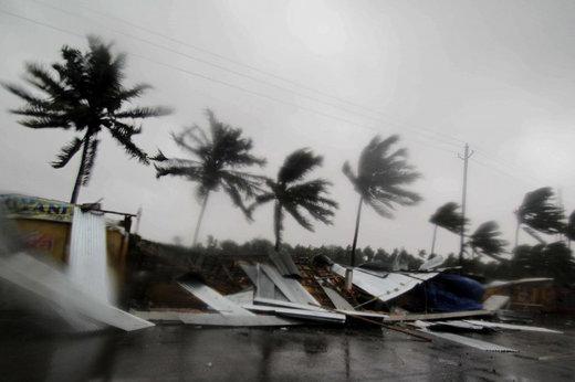 فیلم   طوفان شدیدی که در هند ۳ نفر را کشت