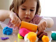 اوتیسم نوزادان قبل از ۱۴ ماهگی تشخیص داده میشود
