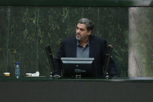 پس لرزههای توزیع شبنامه علیه روحانی در صحن مجلس/میخواهند رئیسجمهور را مقابل رهبری نشان دهند/هیات رئیسه ورود میکند