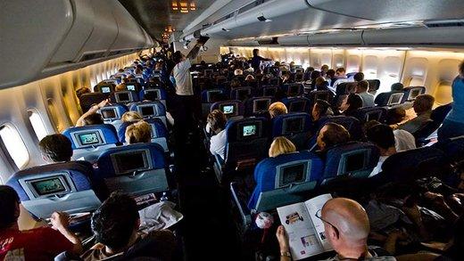 فیلم | شادی مسافران هواپیمای پر تکان کیش-تهران!