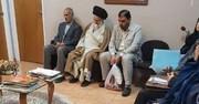 عکس   امام جمعه قم در نوبت ویزیت دکتر