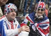 تصاویر | جشن تولد فرزند شاهزاده هری در خیابانهای بریتانیا