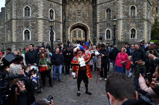 شادمانی طرفداران خانواده سلطنتی بریتانیا از تولد فرزند شاهزاده هری