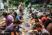تصاویر | سفره خیابانی افطار برای رهگذران در تهران