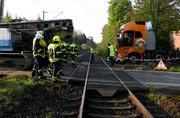 عکس   ۲۰ زخمی در سانحه برخورد کامیون با قطار در آلمان