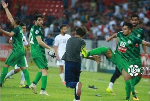 فیلم | حمله تماشاگران عراقی به بازیکنان ذوب آهن