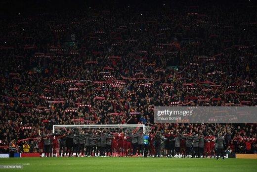 خوشحالی دسته جمعی بازیکنان لیورپول با هواداران