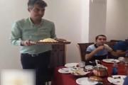 فیلم | پذیرایی عادل فردوسیپور از همکارانش در رستوران