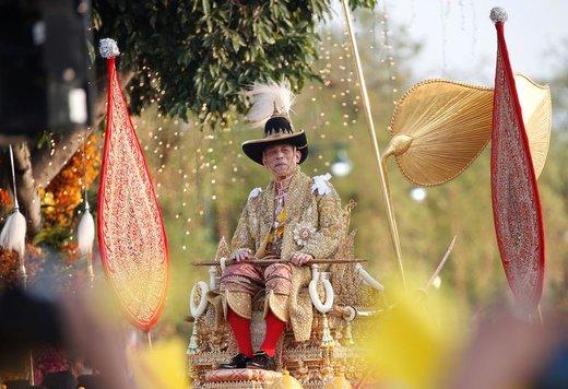 بخشی از مراسم تاجگذاری پادشاه تایلند در شهر بانکوک