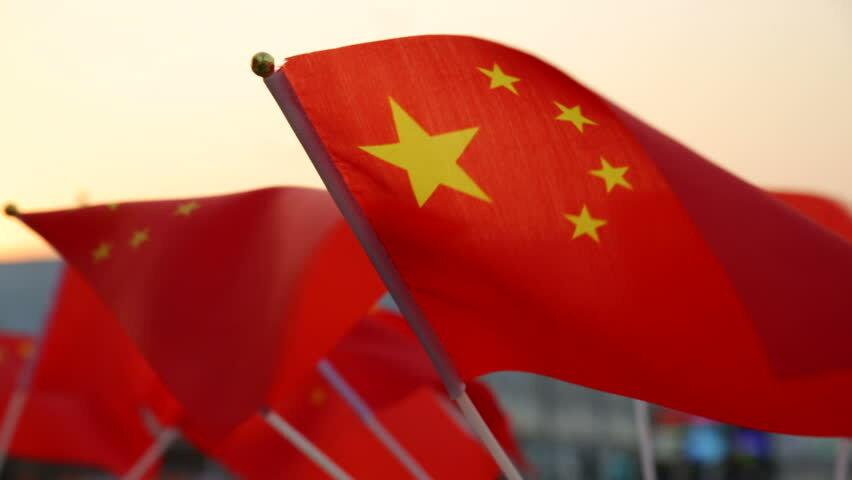چین دلارهایش را می فروش.