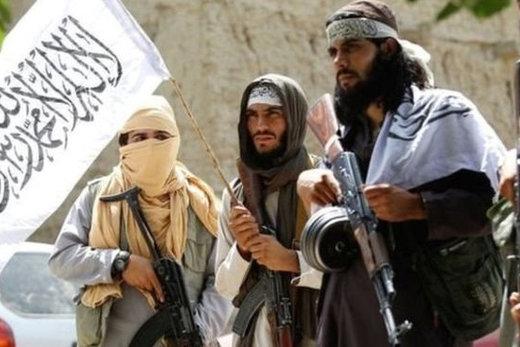 فیلم | طالبان ۲ نفر را به دلیل روزهخواری شلاق زدند