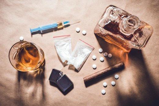 معتادان یقهسفید؛ آنها که نه اعتیاد را میپذیرند نه درمان را