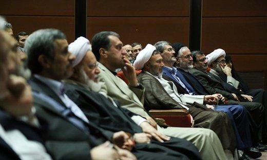 واکنش تند یک اصولگرا به ادعای مشاور احمدینژاد/ آقای جوانفکر اشتباه میکند