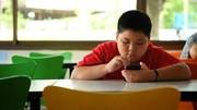 دردسرهای چاقی کودکان؛ اضطراب، دمدمی مزاجی و ...