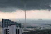 فیلم | گردباد دریایی که مردم سنگاپور را شگفتزده کرد