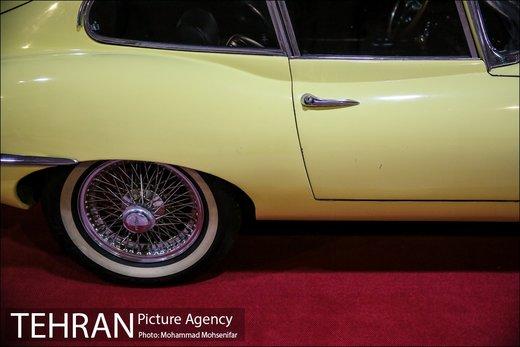 نمایشگاه خودروهای کلاسیک در برج میلاد