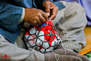 تصاویر | ساخت توپ ۴۰ تکه دستدوز در زندان زاهدان