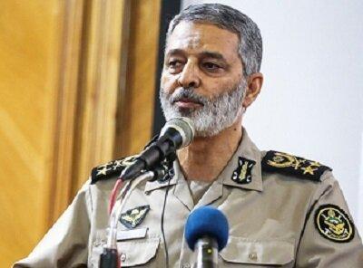 اظهارات مهم فرمانده کل ارتش درباره خرابکاری سعودیها در بغداد/ سردار فدوی: ارتش و سپاه در کنار هم هستند