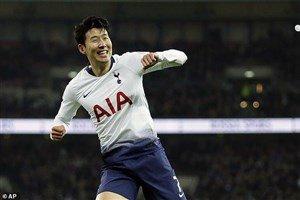یک آسیایی بهترین بازیکن تاتنهام شد
