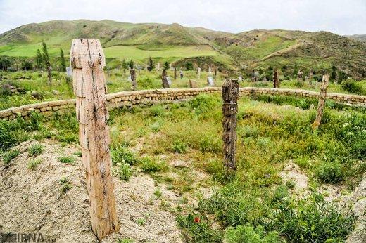 قبرستان روستای باغلق