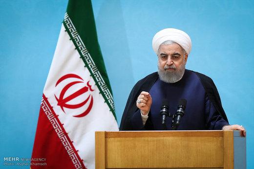 روحاني: بزرگترين قدرت براي دفاع از نظام، مردم ايران هستند