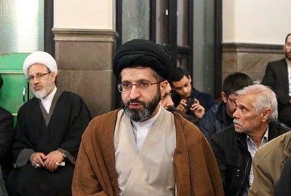 عکس   سیدمسعود خامنهای در مدرسه نوه رهبر انقلاب