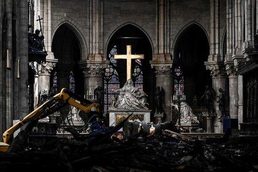 کلیسای نوتردام؛ یک ماه پس از آتشسوزی