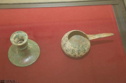 نمایش اشیاء تاریخی مکشوفه از قاچاقچیان در بندرعباس