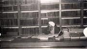بزرگداشت محققی که برای نوشتن ۲۲ جلد کتاب، ۱۰۰ هزار کتاب را در کشورهای مختلف مطالعه کرد