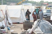 تصاویر   زندگی سخت سیلزدههای خوزستانی در چادر