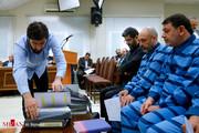 چرا متهم پرونده اقتصادی با کت و شلوار در دادگاه حاضر میشود؟