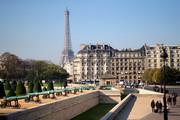 «راه رفتن در پاریس، درس هایی از تاریخ، زیبایی و زندگی به ارمغان خواهد آورد.»-توماس جفرسون
