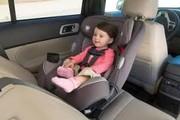 مجلس: استفاده از صندلی مناسب کودک در خودرو اجباری میشود