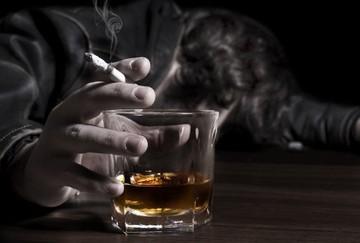 موج مسمومیت با مشروبات تقلبی در اصفهان/ ۴ نفر تاکنون فوت کردند