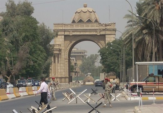 دیوارهای سفارت آمریکا در عراق به لرزه افتاد