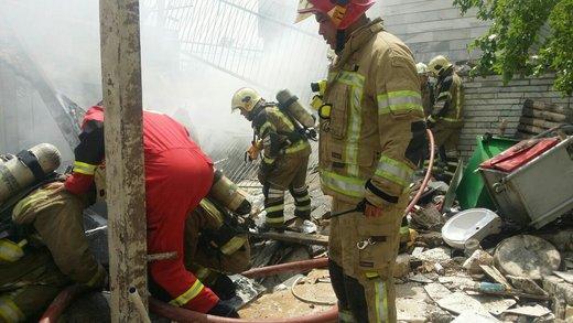 انفجار و آتش سوزی در خیابان اشرفی اصفهانی