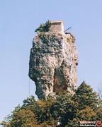 ستون کاتسخی، منزویترین کلیسای جهان با تنهاترین راهب دنیا