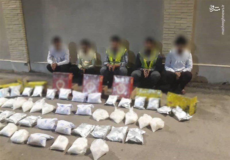 عکس | کشف محموله ۴۰ میلیاردی مواد مخدر از هواپیمای بم-تهران!