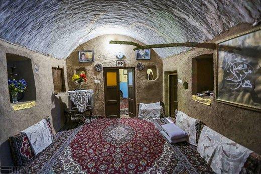 اقامتگاه بومگردی آویشن در روستای کهن