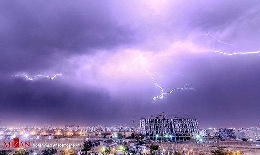 رعد و برق در آسمان تهران