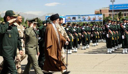 الإيرانيون إشداء على الأعداء ، رحماء مع الجيران
