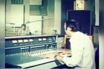 فیلم | لحظه اعلام آزادی خرمشهر در استودیوی رادیو