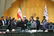 عکسی از واکنش عارف به تمدید ریاست لاریجانی بر مجلس