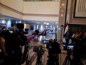 ظریف: پیشنهاد ایران روی میز است/ الحکیم: بغداد با تمام توان برای حل تنشها تلاش میکند
