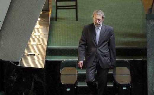 علی لاریجانی کجای سیاست ایران ایستاده؟