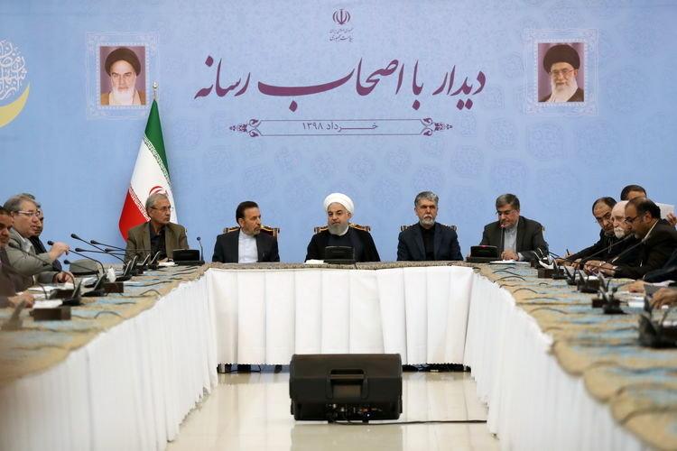 تصاویر   نشست صمیمی اصحاب رسانه با رئیس جمهور