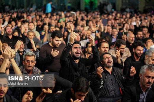 مراسم احیای شب بیست و یکم ماه رمضان در امامزاده حسین (ع) قزوین